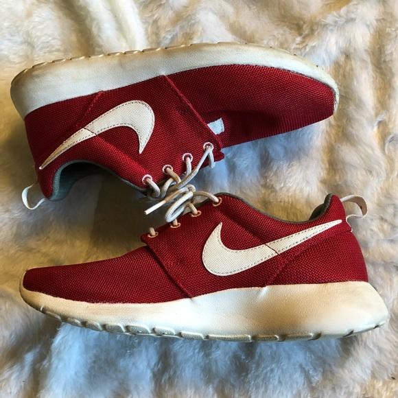 online store e4332 811d8 Women s Nike Roshe Red U.S. size 9. M 5c8b0a45aaa5b8206c06a90b
